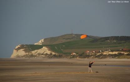 Jouer avec le vent, à la plage de Wissant...